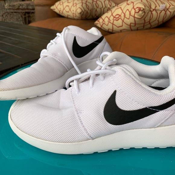 White Nikes With Black Swoosh Unisex